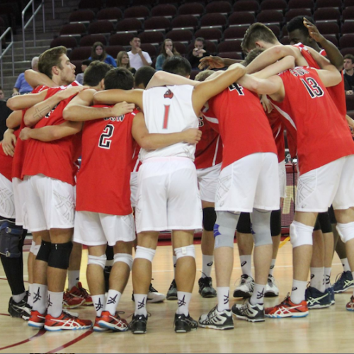 csun volleyball team huddle
