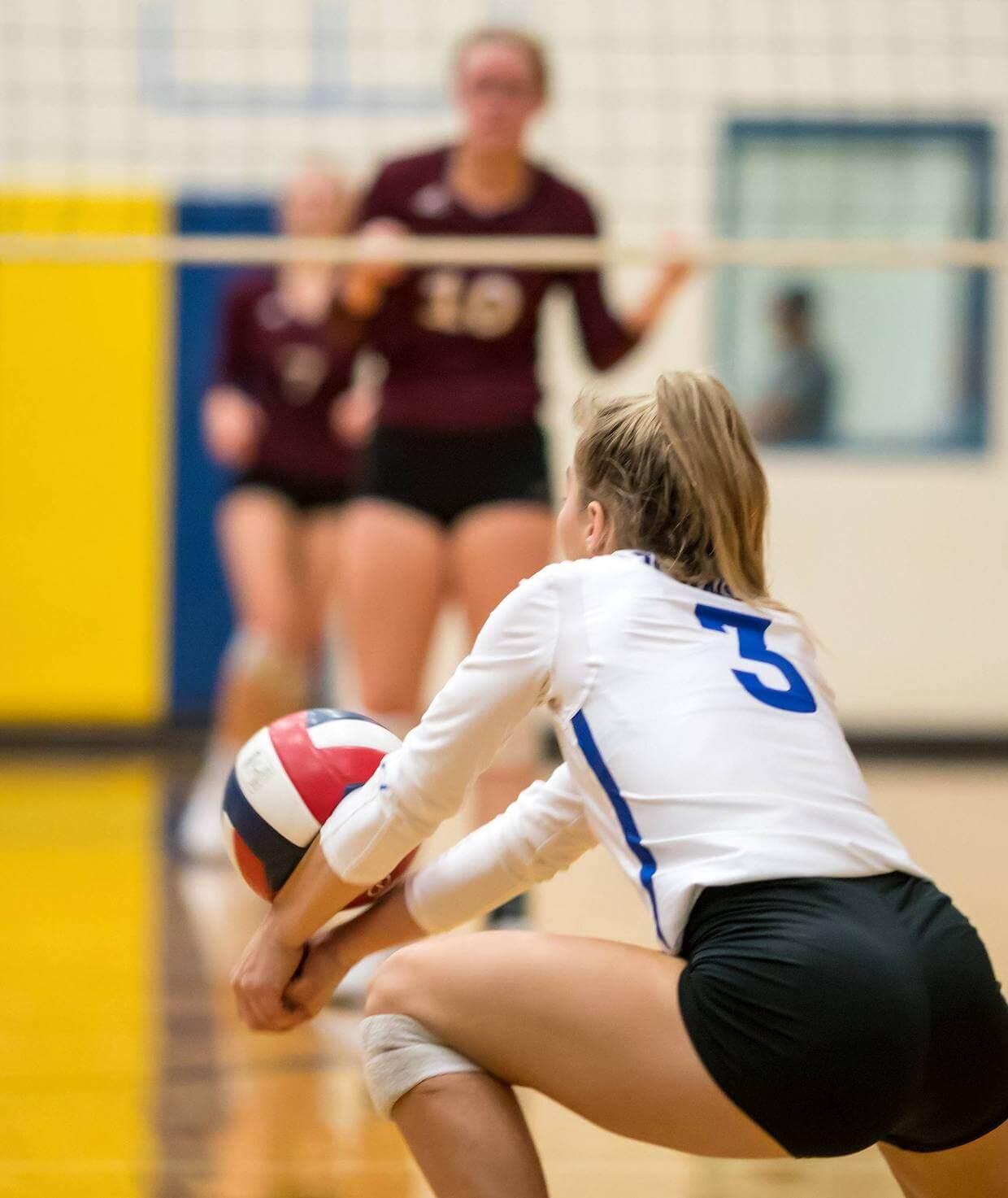 Blanco volleyball dig hero img